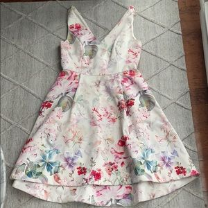 Evernew Size 6 Floral Dress